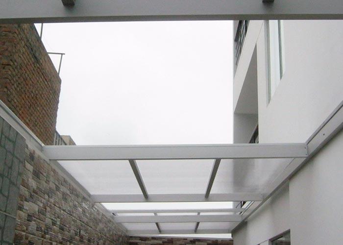techo corredizo de policarnonato